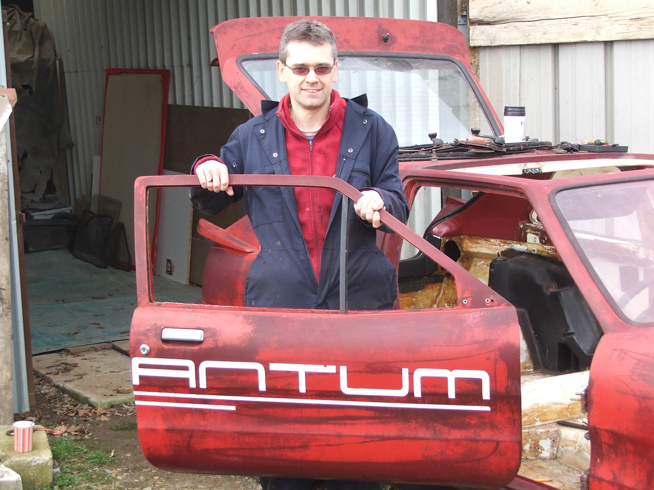 Paul Fennings with the drivers door from Quantum Coupé 003