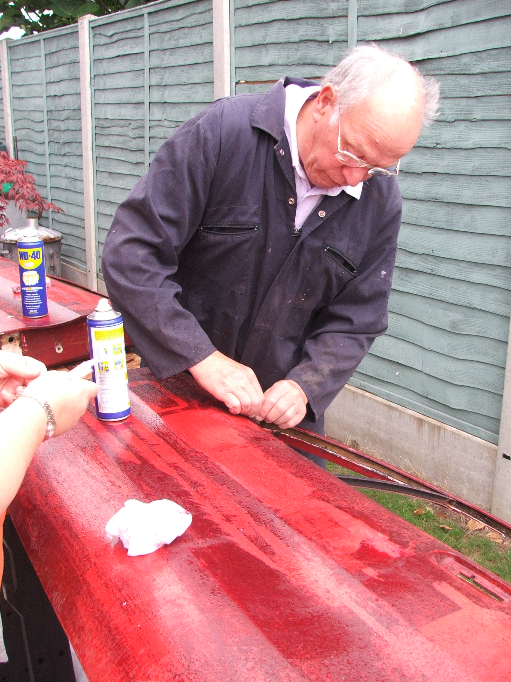 David Calderwood stripping a door from Quantum Coupé 003